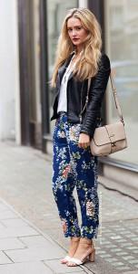 กางเกงลายดอกไม้-สีน้ำเงิน-เสื้อเชิ้ตสีขาว-แจ็คเก็ตหนัง-กระเป๋าสีเบจ