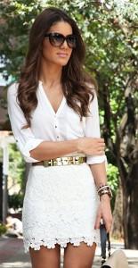 เข็มขัดทองสายน้ำตาล-BCBG-เสื้อสีขาว-Zara-กระโปรงสีขาวลูกไม้-Forever-21-รองเท้า-Carmen-Steffens-กระเป๋า-Zara