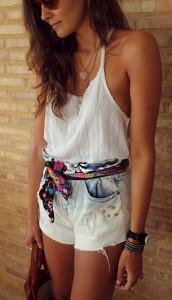 เข็มขัดทำจากผ้าพันคอ-HM-เสื้อสีขาว-Zara-กางเกงยีนส์-Zara-รองเท้า-Zara-กระเป๋า-UTERQÜE