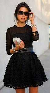 เข็มขัด-BCBG-เดรสสีดำลูกไม้-Keepsake-The-Label-กระเป๋าประดับคริสตอล-Tasha-รองเท้า-Aminah-Abdul-Jilil-แว่นตากันแดด-Vogue