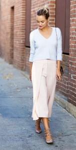 กางเกง-Culottes-สีขมพู-Intermix-สเว็ตเตอร์สีฟ้า-Intermix-รองเท้า-Valentino-กระเป๋า-Saint-Laurent-แหวน-ShopAnthom