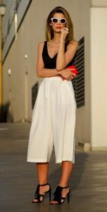 กางเกง-Culottes-สีขาว-Topshop-เสื้อครอปแขนกุด-Zara-รองเท้า-UTERQÜE-กระเป๋า-Zara-แว่นตากันแดด-Zara