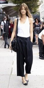 กางเกง-Culottes-สีดำ-เสื้อกล้ามสีขาว