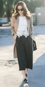 กางเกง-Culottes-สีดำ-Aritzia-เสื้อลายลูกไม้-สีขาว-Storets-เสี้อโค้ท-Max-Mara-กระเป๋า-Kate-Spade-Saturday