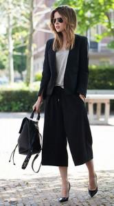 กางเกง-Culottes-สีดำ-HM-Trend-เสื้อสูท-HM-Trend-เสื้อยืดสีเทา-T-by-Alexander-Wang-รองเท้า-Zara-กระเป๋า-Topshop