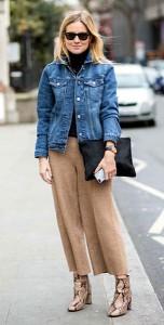 กางเกง-Culottes-สีน้ำตาล-แจ็คเก็ตยีนส์-เสื้อคอเต่าสีดำ