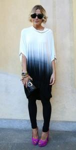 เสื้อยืดไล่เฉดสี-ขาวน้ำเงิน-กางเกงสีดำ-รองเท้าสีชมพู-Milan-Fashion-Week