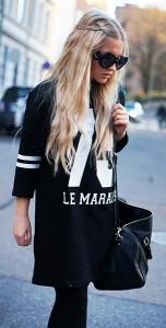 แว่นตากันแดด-กรอบดำ-Prada-แจ็คเก็ต-Won-Hundred-เสื้อตัวเลข-Zara-รองเท้า-Zara-กระเป๋า-Bershka
