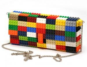กระเป๋าทำจากเลโก้