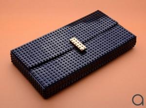 กระเป๋าแฟชั่นทำจากเลโก้