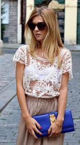 เสื้อลายลูกไม้สีขาว-Sheinside-กางเกงขาบาน-Zara-กระเป๋า-Vince-Camuto-แว่นตากันแดด-Celine