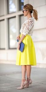 เสื้อลูกไม้สีขาว-Chelsea28-เสื้อสายเดี่ยวสีนู้ด-Forever-21-กระโปรงสีเหลือง-Lucy-Paris-รองเท้าส้นสูง-Kurt-Geiger