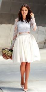 เสื้อลูกไม้สีเทา-For-Love-and-Lemons-Grace-กระโปรงพอง-Needle-Thread-รองเท้า-Dolce-Gabbana