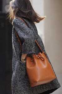 กระเป๋า-Mansur-Gavriel-สเว็ตเตอร์-Lookbook-กางเกงยีนส์-Lookbook-เสื้อโค้ท-Rinascimento-รองเท้าส้นสูง-Coach