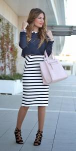 กระโปรงทรงดินสอ-ลายแนวขวางขาวดำ-Zara-เสื้อครอปแขนยาวสีน้ำเงิน-Zara-รองเท้า-Lefties-กระเป๋า-Parfois