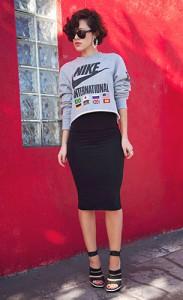 กระโปรงทรงดินสอ-สีดำ-Topshop-สเว็ตเตอร์-Nike-รองเท้า-Balenciaga-แว่นตากันแดด-Ray-Ban