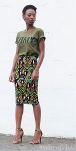 กระโปรงทรงดินสอ-Aztec-เขียวแดงดำ-Mr-Price-เสื้อยืดเขียวทหาร-Mr-Price-รองเท้าลายเสือดาว-Anne-Michelle