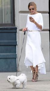 ชุดสีขาว-กระโปรงขาว-Olivia-Palermo