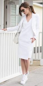 เดรสสีขาว-Reiss-เสื้อสูทสีขาว-Marciano-รองเท้า-Nike-Air-Force-กระเป๋า-Coach-แว่นตากันแดด-Ray-Ban
