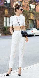 เสื้อครอปสีขาว-BCBG-กางเกงสีขาว-BCBG-รองเท้า-Christian-Louboutin-กระเป๋า-Chanel-แว่นตากันแดด-Celine
