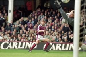 1431341958_Paolo Di Canio  West Ham United v Wimbledon, 1999–2000