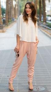 กางเกง-Harem-สีนู้ด-Mango-เสื้อสีขาว-Zara-รองเท้า-Pura-López-กระเป๋า-Sfera
