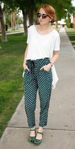 กางเกง-Harem-สีเขียวลายจุด-Oasap-เสื้อครอปสีขาว-Nasty-Gal-รองเท้า-Frances-นาฬิกา-Urban-Outfitters