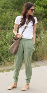 กางเกง-Harem-สีเขียว-Zara-เสื้อยืดสีขาว-J.-Crew-รองเท้าสีนู้ด-Zara-กระเป๋า-Marc-by-Marc-Jacobs