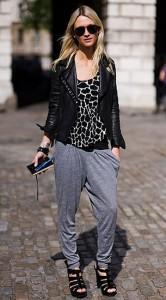 กางเกง-Harem-สีเทา-เสื้อลายยีราฟขาวดำ-แจ็คเก็ตหนัง-Zanna-Roberts-Rassi