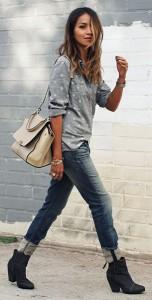 เสื้อเชิ้ตลายจุด-Hinge-สีเทาจุดขาว-กางเกงยีนส์-Rag-Bone-รองเท้าบู๊ท-Rag-Bone-นาฬิกา-Emporio-Armani