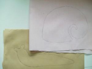 diy-snail-pillow-yenta4-03-300x225