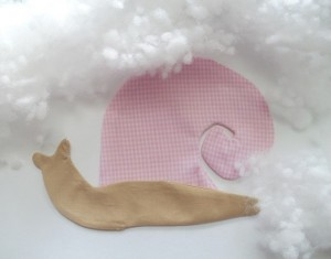 diy-snail-pillow-yenta4-05-600x470