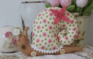 diy-snail-pillow-yenta4-16-600x380