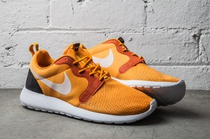 NIKE-ROSHE-RUN-HYPERFUSE-KUMQUAT-1