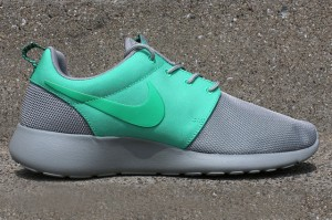 NIKE-ROSHE-RUN-SPLIT-PACK-PT-2-6-1