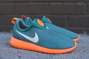 ROSHE-RUN-SLIP-ON-GATORS-SIDEVIEW