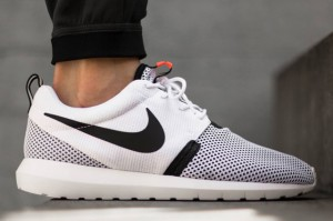 nike-roshe-run-nm-breeze-white-balck-hot-lava-01