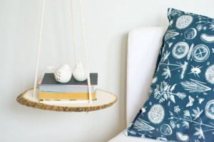 DIY-A-Hanging-Wood-Shelf-600x400
